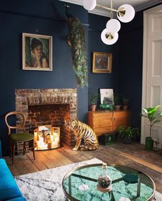 With 21 various living room ideas you will be inspired to make subtle upgrades to your own space or explore lively modern living room decor ideas that will bewitch visitors. Dark Blue Living Room, Simple Living Room, New Living Room, Living Room Modern, Dark Blue Rooms, Dark Blue Lounge, Living Room Wall Colours, Oval Room Blue, Dark Blue Walls