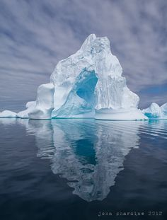 "Antarctic blues by John Chardine. ""An incredible iceberg from Antarctica. What A Wonderful World, Beautiful World, Beautiful Places, Photos Voyages, Snow And Ice, Land Art, Science And Nature, Amazing Nature, Belle Photo"