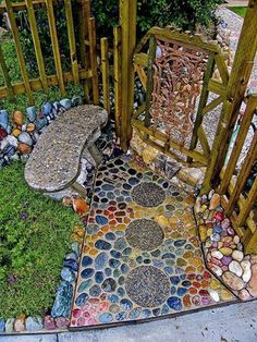 If you're looking for yard or outdoor inspirations for spicing up your hom… - Diy Garden Projects Diy Garden, Dream Garden, Garden Paths, Garden Projects, Garden Crafts, Recycled Garden, Herb Garden, Rockery Garden, Garden Steps