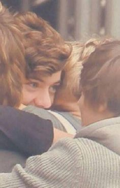 larry is my religion ♡ larry pictures One Direction Fotos, One Direction Harry, One Direction Memes, One Direction Pictures, Niall Horan, Zayn Malik, Larry Stylinson, Liam Payne, Louis E Harry