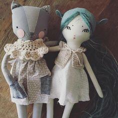 """If you were wondering... @luckyjuju and @forestcreaturedolls can totally swap cloths. #dollfriends #handmadetoys #handmadedoll"""