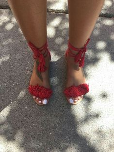 32 Chic Designer High Heels To Copy Right Now sandals Cool Street Shoes Cute Sandals, Cute Shoes, Me Too Shoes, Shoes Sandals, Flats, Stylish Sandals, Shoes Sneakers, Fringe Sandals, Flat Sandals