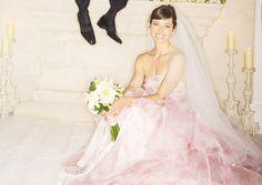 Inspiratie: celebs met roze bruidsjurken - Pagina 5 van 16 - ELLE.be
