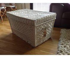 Kiste, Flettet kiste til opbevaring. 80 x 50 x 50 cm. Hel