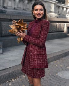 Burgundy - an enchanting color for luxurious looks Fashion News - Work Ou . - Business Outfits for Work Work Fashion, Fashion News, Fashion Trends, Curvy Fashion, Fall Fashion, Parisian Fashion, Color Fashion, Bohemian Fashion, Fashion Fashion