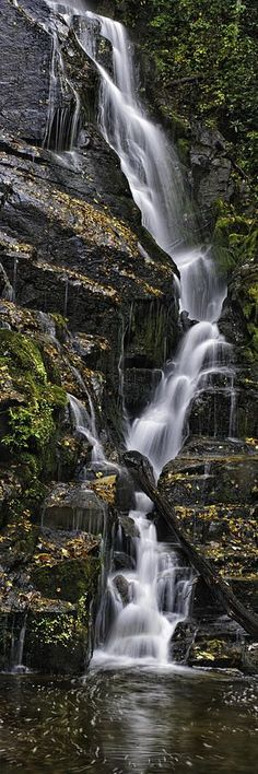 Smokey Mountains Waterfall, North Carolina - photo by Tom Croce Places Around The World, Oh The Places You'll Go, Places To Travel, Places To Visit, Beautiful Waterfalls, Beautiful Landscapes, Parc National, National Parks, Landscape Photography