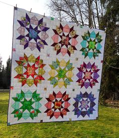 Beautiful swoon quilt by Cathy from the Blue Berry Patch blog. Pretty great huh? Cathy is a quilter and knitter, and I think she lives on a ...