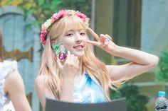 WJSN - Eunseo Cosmic Girls, Snsd, Korea, Idol, Fashion, Moda, Fashion Styles, Fashion Illustrations, Korean