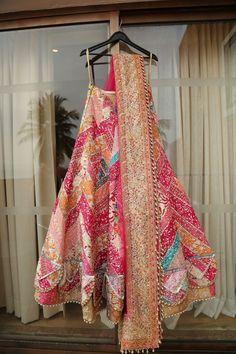 Indian Bridal Outfits, Indian Bridal Fashion, Indian Bridal Wear, Pakistani Bridal Dresses, Indian Wear, Indian Gowns Dresses, Indian Fashion Dresses, Dress Indian Style, Indian Designer Outfits