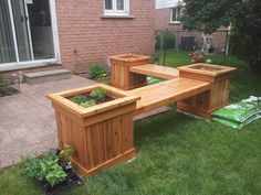 This step by step woodworking project is about planter bench plans. We show you how to build a planter bench from wood, using common materials, tools and techniques. Easy Woodworking Projects, Popular Woodworking, Woodworking Furniture, Diy Wood Projects, Woodworking Plans, Furniture Projects, Woodworking Classes, Woodworking Workshop, Woodworking Beginner
