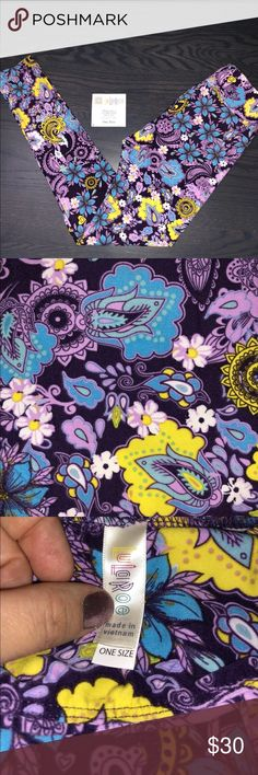 LuLaRoe OS Leggings Size OS Leggings (fit sizes 2-10)  Paisley on a dark purple background  GORGEOUS!  Brand NEW with TAGS Comes from a clean & smoke free home LuLaRoe Pants Leggings
