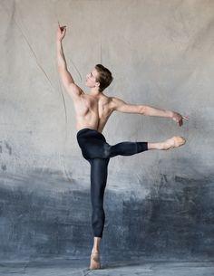 Ben Rudisin, Corps de Ballet The National Ballet of Canada Photo by Karolina Kuras Male Ballet Dancers, Dance World, Ballet Companies, Ballet Photography, Athlete, Beautiful Pictures, Interview, Portrait, Life
