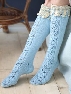 Long lace socks Novita Nalle and Nalle Taika Lace Socks, Wool Socks, Knitting Socks, Baby Knitting, Knitted Slippers, Slipper Socks, Lace Patterns, Knitting Patterns Free, Laine Rowan