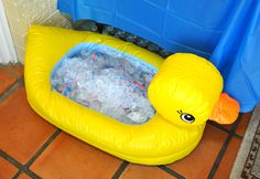 Duck baby shower... use duck bathtub to ice down drinks.