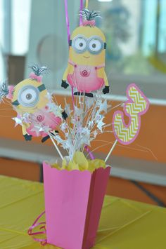 Girl Minion Birthday Party #ThanhSisters #minion#centerpiece