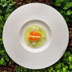 Carpaccio of cucumber, cured wild salmon, slow-cooked crab and dill emulsion - FOUR Magazine ! Gourmet Appetizers, Gourmet Recipes, Salmon Dishes, Food Is Fuel, Food Diary, Creative Food, Food Design, Food Presentation, Food Plating