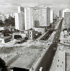 1968-1970 - Duplicação da rua da Consolação, construção do elevado Costa e Silva (minhocão), da marquise da praça Roosevelt e das vias conectando o complexo viario com uma outra novidade de então, a Radial Leste.