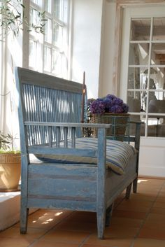 Bench at the beach cottage entry