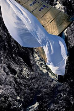 ✕ One of the most captivating & incredible photographs I have seen… / #sailing