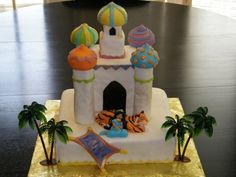 Princess Jasmine Castle Rahjah Aladdin Cake This was for my daughter's birthday. She asked for Jasmine's castle with Jasmine. Aladdin Cake, Aladdin Party, Aladdin Movie, Jasmine Cake, Jasmine Party, Debbie Brown, Princess Jasmine, Princess Party, Fondant