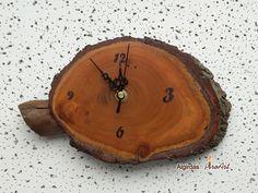 Vintage Laternen - Handgefertigte Wanduhr, aus der Eiche, kleine Holz - ein Designerstück von AlgirdasPiroArt bei DaWanda