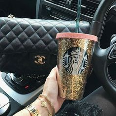 Is Coffee Staining Your Teeth? Starbucks Tumbler Cup, Copo Starbucks, Starbucks Drinks, Starbucks Coffee, Coffee Drinks, Coffee Cups, Coffee Time, Starbucks Birthday, Kids Food Crafts
