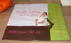Indy Lynn op haar geboortekleed