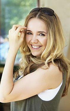 Lucie Vondrackova Most Beautiful Women, Famous People, Celebrity, Long Hair Styles, Beauty, Fairytale, Fashion, Fairy Tail, Moda