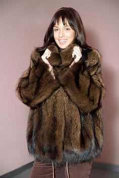 Fisher, Fabulous Furs, Fox Fur Coat, Elmo, Fur Jacket, Poses, Hot, Sexy, How To Wear