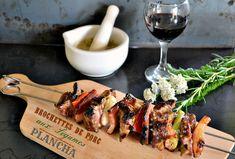 Brochettes porc aux légumes cuites à la plancha Mortar And Pestle, Paella, Sausage, Bbq, Pork, Chicken, Meat, Desserts, Legume Bio