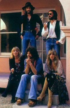 Fleetwood Mac - Mick Fleetwood John McVie Chris McVie Lindsey Buckingham and Stevie Nicks Stylish Mens Outfits, Sexy Outfits, Lindsey Buckingham, Buckingham Nicks, Stevie Nicks Fleetwood Mac, Rockn Roll, I Love Music, Mode Vintage, Celebs