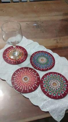 Dot Art Painting, Mandala Painting, Stone Painting, Cd Crafts, Diy And Crafts, Arts And Crafts, Cd Decor, Painted Rocks, Hand Painted