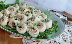 Le girelle con tonno sono facilissime e veloci da preparare. Si possono servire sia come aperitivo che come antipasto e sono buonissime.