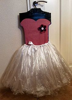Sinterklaas surprise: Tutu (balletjurkje) van knutselidee.nl Recycled Dress, Santa Gifts, Valentine Box, Surprise Gifts, Holidays And Events, Diy For Kids, Diy And Crafts, Holiday Decor, Christmas