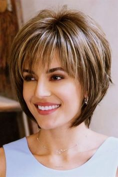 Hairstyles over 50 40 kurze Frisuren für Frauen über 50 40 penteados curtos para mulheres acima de 50 anos # 2018 # O cabelo fino Medium Hair Styles, Curly Hair Styles, Short Hair Styles Thin, Shorter Hair Styles, Over 50 Hair Styles, Hair Short Bobs, Ponytail Styles, Short Hair Wigs, Braid Styles