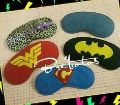 Máscaras para dormir para uma família de super heróis