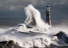 roker lighthouse sunderland