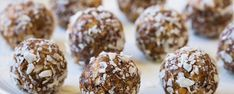 "Bliss Balls that are packed with nutrients but taste like candy? These ""Peanut Butter Pretzel Energy Bites"" are the perfect… Banana Oat Muffins, Banana Oats, Gluten Free Pretzels, Gluten Free Oats, Peanut Butter Pretzel, Peanut Butter Balls, Vegan Recipes Easy, Snack Recipes, Snacks"