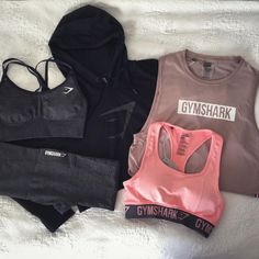 We love Gymshark collection. Lazy Day Outfits, Sporty Outfits, Athletic Outfits, Athletic Wear, Outfits For Teens, Athletic Tank Tops, Cute Outfits, Workout Attire, Workout Wear
