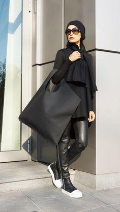 NEW Genuine Leather Matt Black Bag / High Quality Tote image 1 Look Fashion, Fashion Bags, Fashion Outfits, Womens Fashion, Fashion Design, Fashion 2020, Black Leather Backpack, Black Leather Bags, Mode Mantel