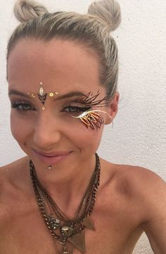 Gorgeous handmade festival eyelashes that embellish your eyes! Reusable up to 4 times if looked after. Our lash jewlrey is applied to the brow bone and under your bottom lashes with normal eyelash glue. Easier to apply than regular lashes and will last all day and night. Check out our Instagram on ways to style and wear them @lashedibiza Our lashes are made of holographic, glitter and specialist print papers, foil and feathers. Each pair of lashes are handmade in Ibiza and unique, there are…