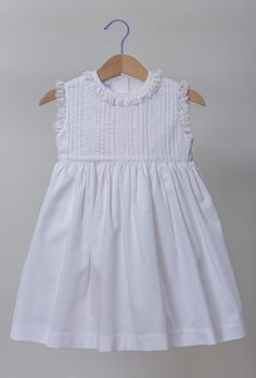 O Patinho Feio | Vestidos Kids Frocks, Little Girl Dresses, Little Girl Fashion, Baby Kids Clothes, Doll Clothes, Toddler Dress, Toddler Girl, Baby Sewing, Sewing For Kids