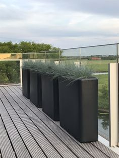 Creating privacy naturally with Otium Flowepots - murus Project of Artistic bvba Outdoor Furniture, Outdoor Decor, Outdoor Storage, Flower Pots, Artist, Nature, Plants, Projects, Design