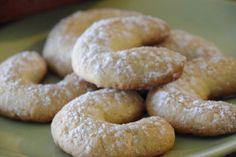 Petits biscuits à la noix de coco à servir avec le café ou le thé