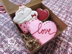 image 0 Valentines Baking, Valentines Day Desserts, Valentine Cookies, Easter Cookies, Valentine Day Love, Christmas Cookies, Heart Cookies, Sugar Cookies, Dessert Packaging