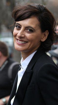 Ines de la Fressange Photos: Uma Thurman at Paris Fashion Week