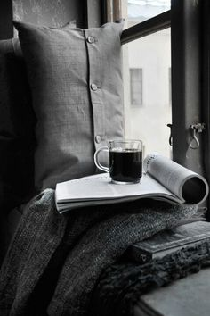 Book, window and coffe I Love Coffee, Black Coffee, Coffee Cafe, Coffee Shop, Coffee Lovers, Café Latte, Sweet Home, Relax, Style Blog