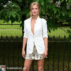 ❤📷@holafashion_es - ¿Cuál ha sido el mejor 'look' de alfombra roja del mes? Este de Toni Garrn está entre los elegidos. Entra en nuestra web y vota por tu favorito #fashion #style #moda #tonigarrn #Regrann Etiqueta tu estilo 🏷 #tendenciafotomural...