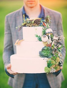 Whimsically Earthy Wedding Cake ♥