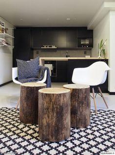 lempipaikka,pölkky,olohuone,keittiö,mattamusta,diy,remontti,avokeittiö,musta,moderni,skandinaavinen,minimalistinen,puu,matto,kuvio,printti,t...